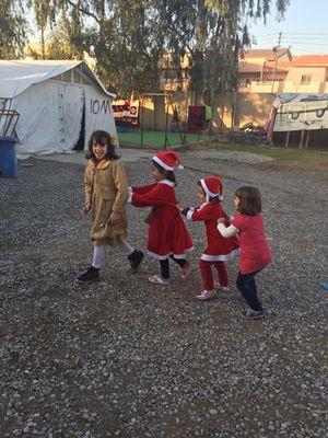 Bambine yazide nel campo Ishtar school a erbil