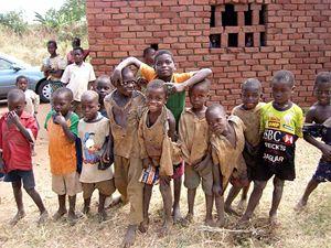 Un gruppo di bambini in Malawi.