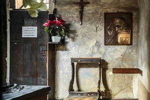 Il confessionale utilizzato per 30 anni dal santo.