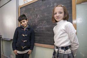 Moris e Anna in aula (foto Paolo Siccardi/Sync)