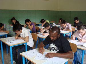 La Scuola di italiano organizzata dalla Comunità di Sant'Egidio con la comunità cinese di Milano.