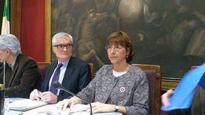 In primo piano la deputata europea Milena Santerini.