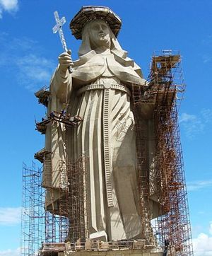 Il 27 giugno 2010 nelle vicinanze della città di Santa Cruz, in Brasile, è stata inaugurata la statua religiosa cattolica più grande al mondo; è dedicata alla santa umbra Rita da Cascia. È alta 56 metri, 18 in più del Cristo redentore del Corcovado di Rio de Janeiro, che in precedenza deteneva il record d'altezza