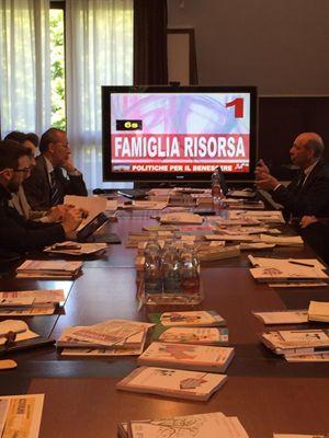"""La presentazione del """"Dossier politiche familiari 2016"""" avvenuta a Milano presso la sede di Famiglia Cristiana"""
