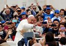 Pope Francis waves25