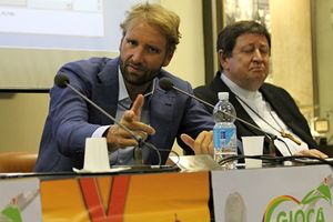 Il nuotatore Massimiliano Rosolino, l'altro testimonial, anche lui campione olimpico.