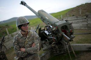 In queste immagini dell'agenzia Reuters, il Nagorno-Karabakh così come si presentava nell'aprile scorso.