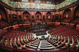 L'Aula della Camera deserta per la discussione sulla proposta di legge sulla cannabis