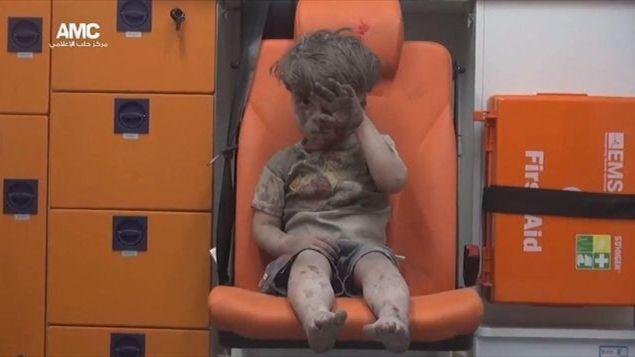 Siria, la tragedia della guerra nel volto del piccolo Omran