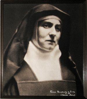 Edith Stein con l'abito della Carmelitane scalze. Scelse il nome di suor Teresa Benedetta della Croce