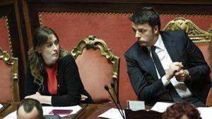 Il ministro delle Riforme, Maria Elena Boschi, e il presidente del Consiglio, Matteo Renzi, in Parlamento