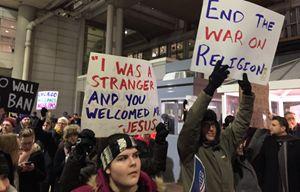 Anche i cattolici si sono uniti alle proteste contro il provvedimento di Trump