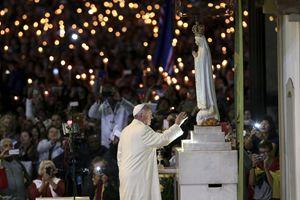 Un'immagine del pellegrinaggio che papa  Francesco ha compiuto a Fatima il 12 e il 13 maggio 2017. Foto Reuters.