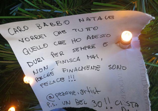 Babbo Natale In Spagnolo.Un Fidanzato E Riabbracciare La Mamma Ecco Cosa Chiedono