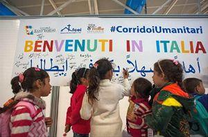 L'arrivo a Roma di uno dei gruppi di bambini profughi siriani con le loro famiglie, utilizzando il Progetto dei Corridoi umanitari.