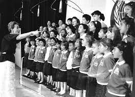 Il Piccolo Coro dell'Antoniano in una foto degli anni Sessanta