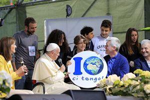 Papa Francesco, all'edizione 2016 del Villaggio per la Terra, giunse senza preavviso.