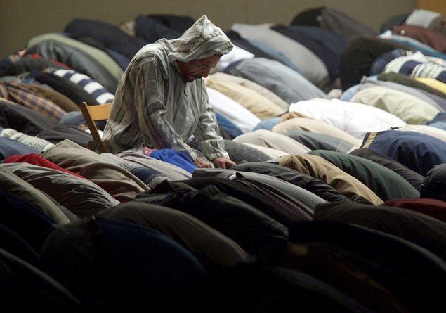 best sneakers cee45 d0a66 Venerdì di Ramadan, il Corano spiegato da un sacerdote ...