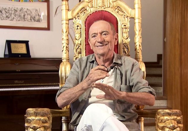 Intervista a Raoul Casadei: «Vi racconto la mia vita allegra come