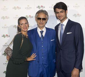 Andrea Bocelli con la moglie Veronica e il figlio Matteo