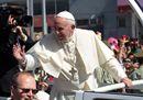 Pope Francis waves8.jpg