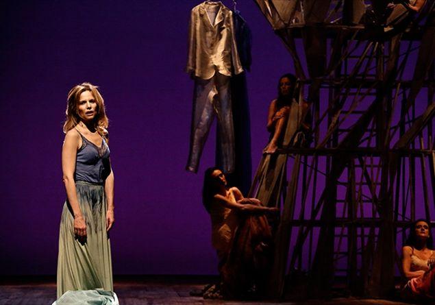 Sonia Bergamasco a teatro con L'uomo seme: intervista