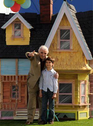 """Charles Aznavour sul set del film di animazione """"Up"""" in cui è stato doppiatore"""
