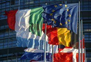 Le bandiere degli Stati membri dell'Unione europea fuori dal Parlamento di Strasburgo. Foto Reuters.,