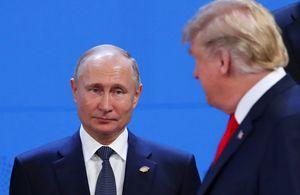 Vladimir Putin e Donald Trump al G20 di Buenos Aires (foto Reuters).