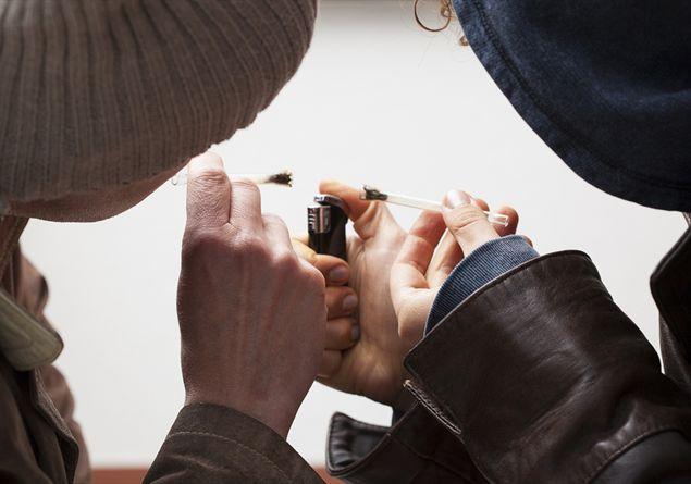 fumatori di marijuana sito di incontri datazione cameo gioielli