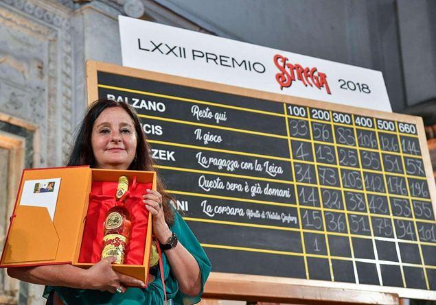 Premio Strega: dopo quindici anni vince una donna Famiglia
