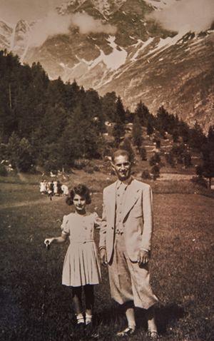 1937, Liliana Segre a 7 anni con il padre Alberto durante una vacanza a Macugnaga