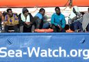 Migrants rest on13.jpg