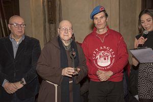 Padre Maurizio Annoni, presidente di Opera San Francesco per i poveri, con il presidente dei City Angels Mario Furlan