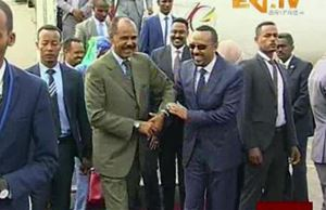 Il Premier etiope con il Presidente dell'Eritrea Isaias Afeworki nel corso della prima visita di Afeworki ad Addis Abeba.