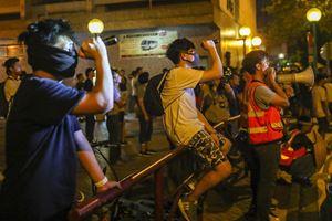 Un momento delle proteste antigovernative del 13 ottobre (Reuters)