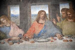 """Un particolare de """"L'Ultima Cena"""", realizzata da Leonardo da Vinci tra il 1494 e il 1498 sulla parete nord del Refettorio del convento domenicano di Santa Maria delle Grazie di Milano. È un dipinto murale a tempera grassa di dimensioni cospicue (460 centimetri per 880), che fu commissionato all'artista da Ludovico Sforza (foto Ansa)"""