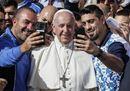 Il Papa all'udienza: «Evangelizzare è favorire l'incontro dei cuori con Dio»