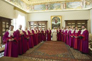 Papa Francesco con i giudici del  Tribunale Apostolico della Rota Romana (2016)