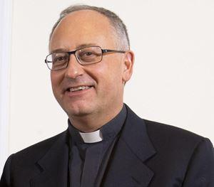 Padre Antonio Spadaro, 53 anni, gesuita, direttore della rivista La Civiltà Cattolica. Foto Ansa.