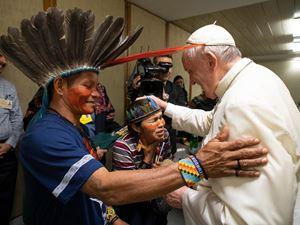 Un'immagine del Papa durante il Sinodo per l'Amazzonia (foto: Ansa)