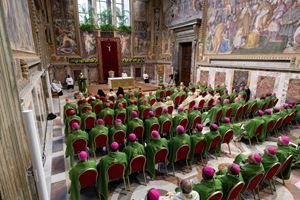 Il summit per la tutela dei minori convocato in Vaticano a febbraio scorso (foto Ansa)