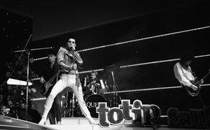 Sanremo 1984, Freddie Mercury con i Queen (Ansa)