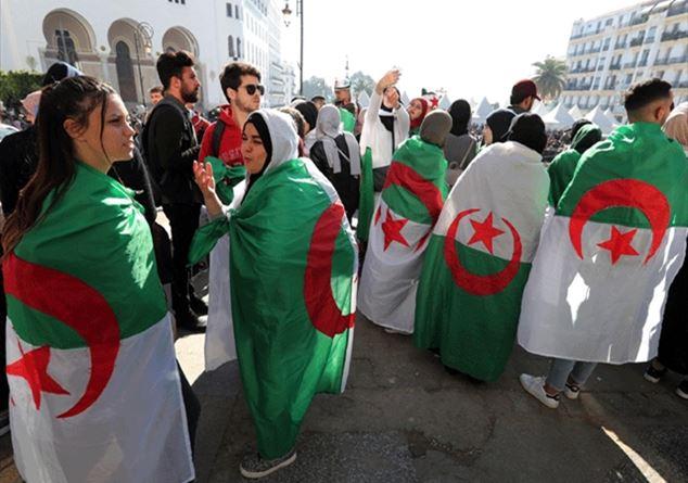 Algeria sito di incontri Dating online spreco di tempo PUA