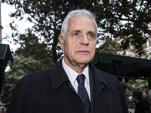 L'ex governatore lombardo Roberto Formigoni, 71 anni, sta scontando una condanna di 5 anni e 10 mesi per corruzione nel carcere di Bollate, dopo la sentenza definitiva della Cassazione (foto Ansa)