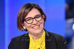 Elisabetta Trenta, 51 anni, nata a Velletri (Roma), docente universitaria, sposata. Dal 1° giugno 2018 è ministro della Difesa indicata dal M5S, seconda donna ad assumere quella responsabilità dopo Roberta Pinotti.