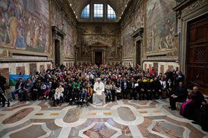 Città del Vaticano, 9 maggio 2019. Un momento dell'udienza che il Papa ha concesso stamane a circa 500 tra Rom e Sinti. Foto: Servizio fotografico Santa Sede/Osservatore Romano