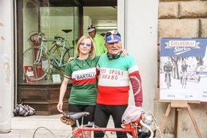 Gioia Bartali con la maglia dedicata al nonno