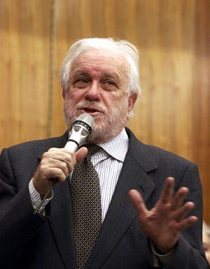 Luciano De Crescenzo avrebbe compiuto 91 anni il 20 agosto prossimo (Ansa)