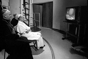 «Gloria a Dio nell'alto dei Cieli»: Paolo VI, la notte dello sbarco sulla Luna